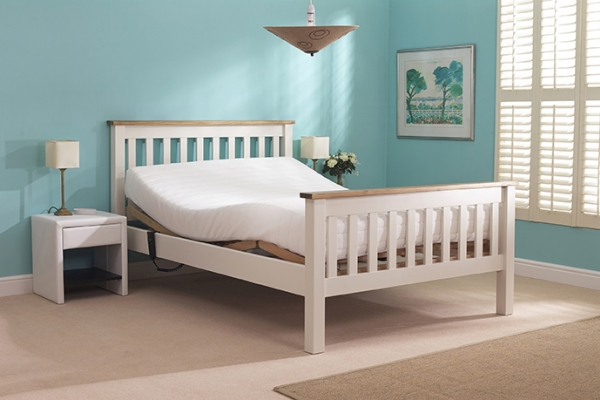 White Huntley Double Bed